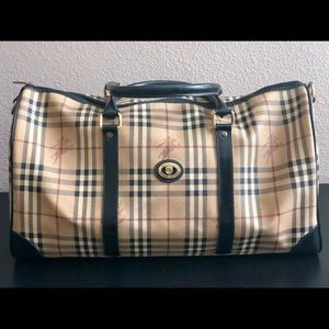 Burberry Travelling bag